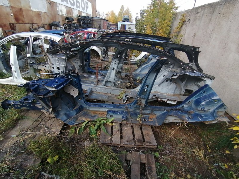 Боковина Volkswagen Passat B6 правая (б/у)