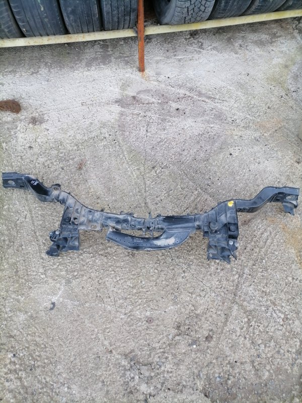 Рамка радиатора Ford Focus 3 (б/у)