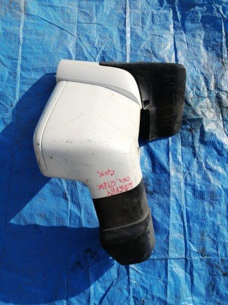 Клык бампера Nissan Safari WRGY61 задний правый (б/у)