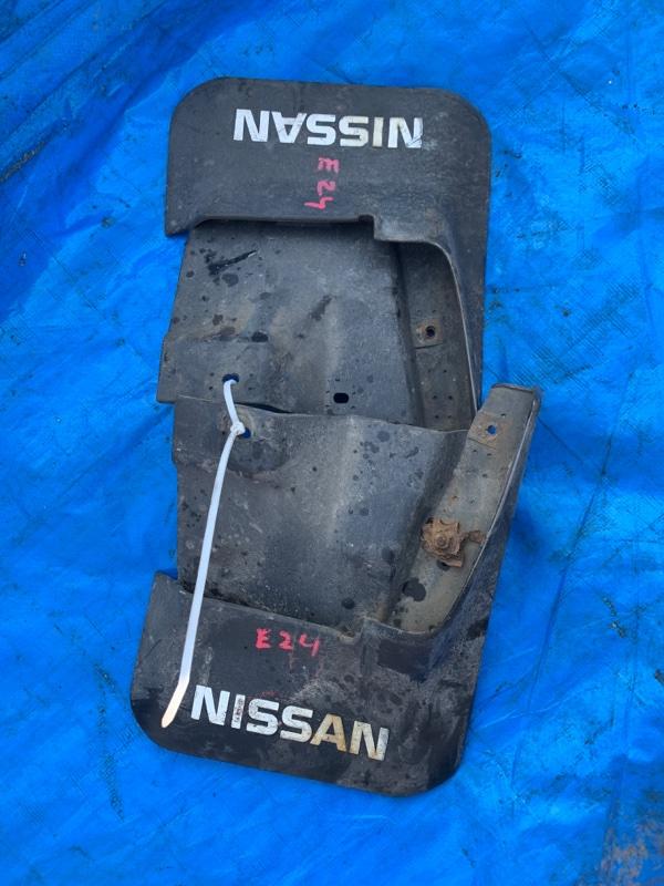 Брызговики комплект Nissan Caravan E24 TD27 задние (б/у)