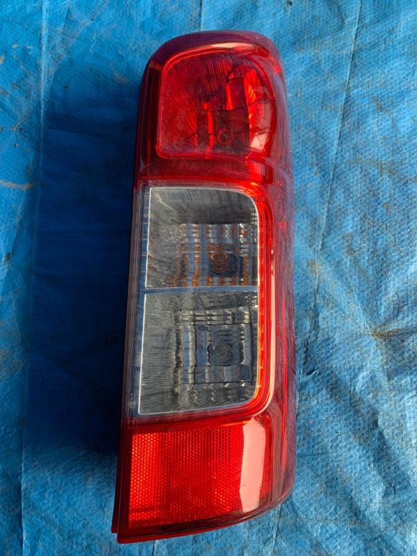 Стоп-сигнал Nissan Caravan VW6E26 задний правый (б/у)