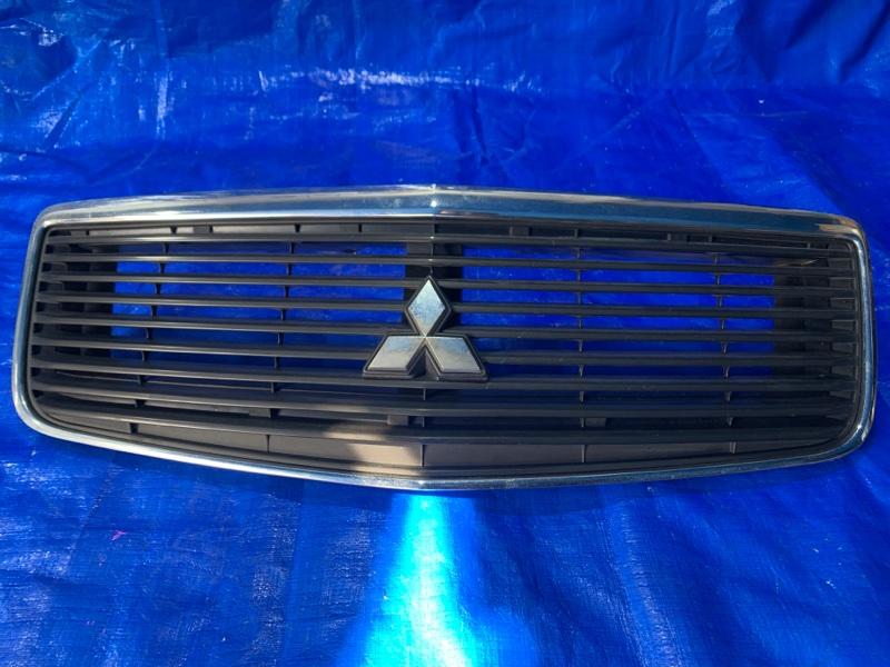 Решетка радиатора Mitsubishi Dion CR6W передняя (б/у)