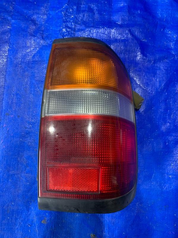 Стоп-сигнал Nissan Terrano PR50 задний правый (б/у)