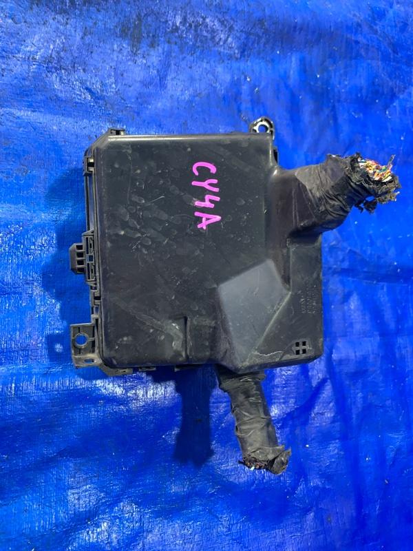 Блок предохранителей Mitsubishi Galant Fortis CY4A 4B11 (б/у)