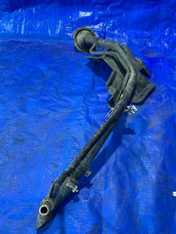 Горловина топливного бака Nissan Lafesta B30 MR20DE (б/у)