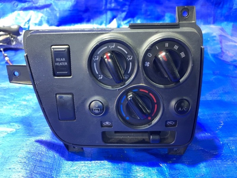 Блок управления климат-контролем Nissan Caravan VW6E26 YD25DDTI (б/у)