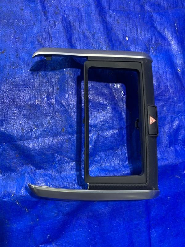 Консоль магнитофона Toyota Corolla Fielder NZE164 1NZFE (б/у)