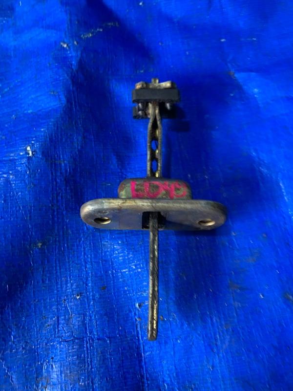 Ограничитель двери Mitsubishi Pajero L049G 4D56 передний правый (б/у)