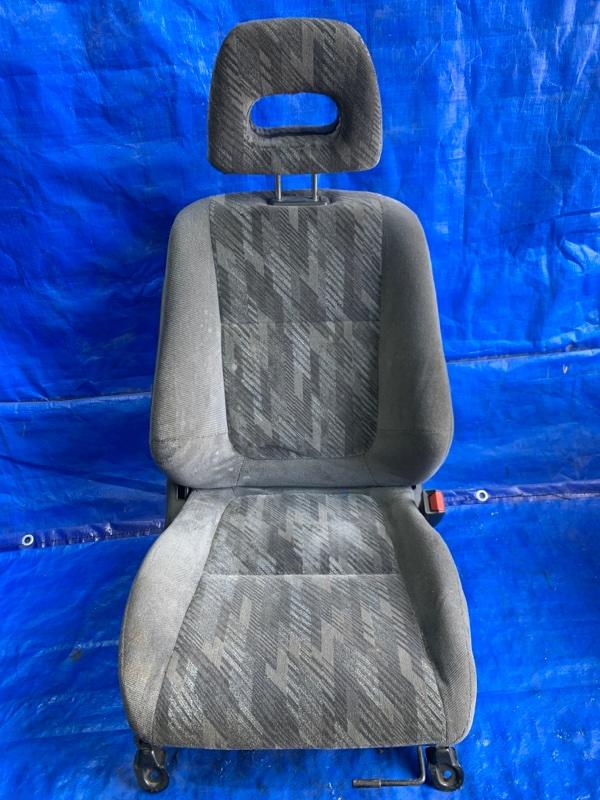Сидение переднее правое (б/у)