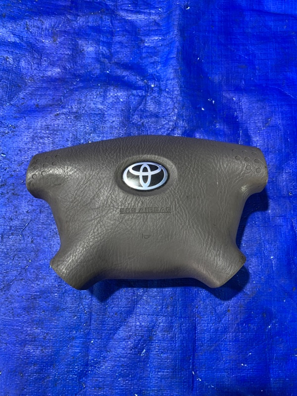 Airbag водительский Toyota Granvia VCH16 (б/у)