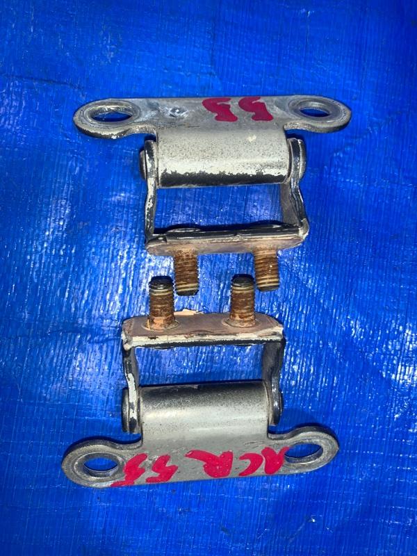 Петли 5-й двери Toyota Estima ACR55 задние (б/у)