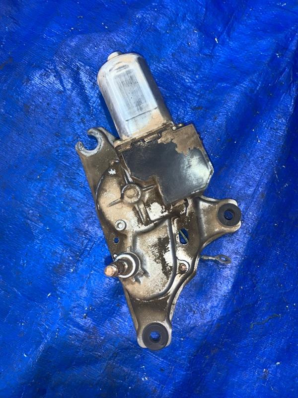 Мотор дворников Toyota Isis ANM10 задний (б/у)