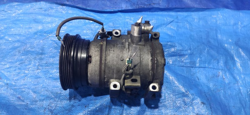 Компрессор кондиционера Toyota Ipsum SXM15 3SFE (б/у)