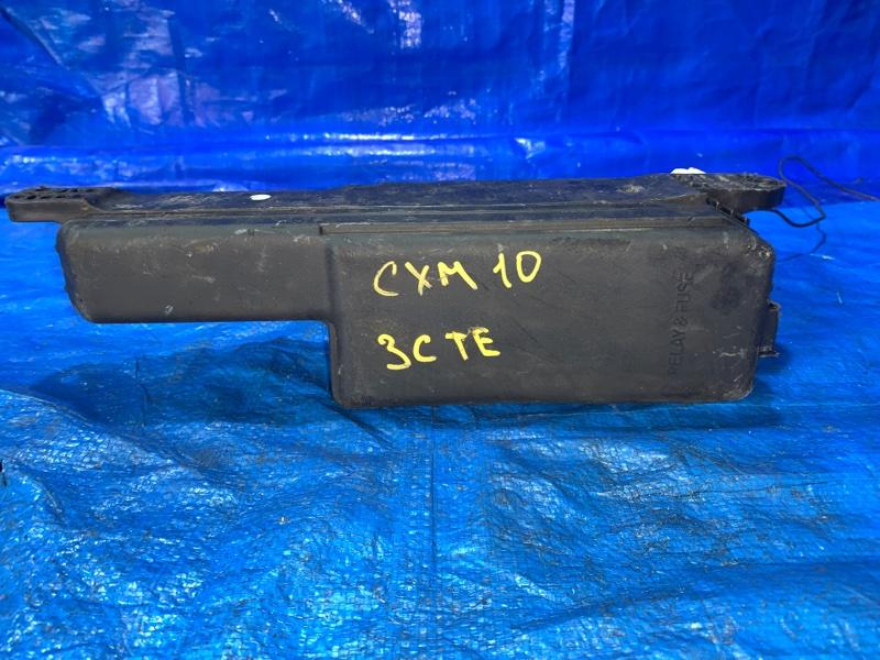 Блок предохранителей Toyota Ipsum CXM10 3CTE (б/у)