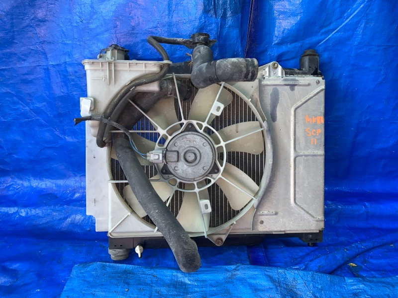 Радиатор Toyota Platz SCP11 2SZFE передний (б/у)