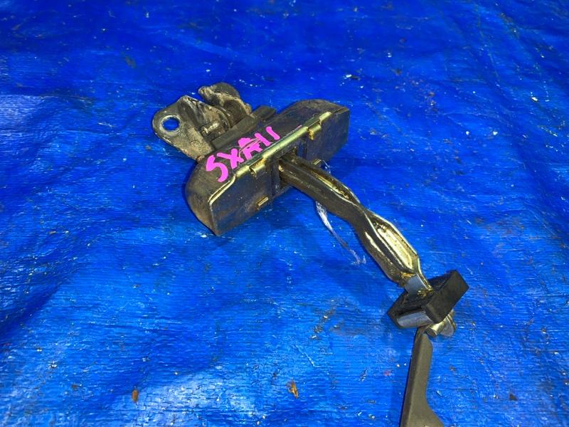 Ограничитель двери Toyota Rav4 SXA11 3SFE (б/у)