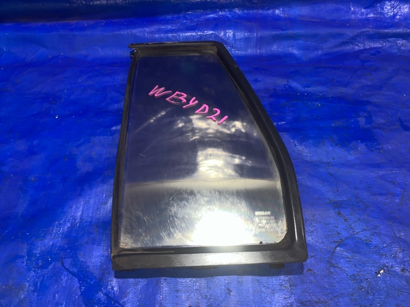 Форточка двери Nissan Terrano WBYD21 задняя левая (б/у)