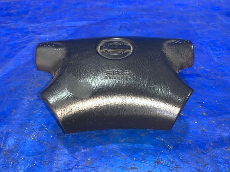 Airbag водительский Nissan Bassara NU30 (б/у)