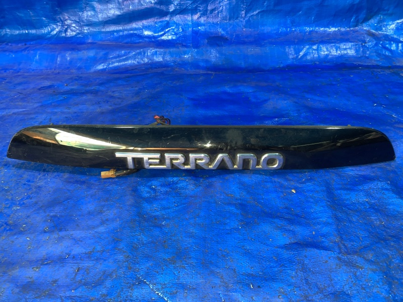 Накладка 5-й двери Nissan Terrano TR50 (б/у)