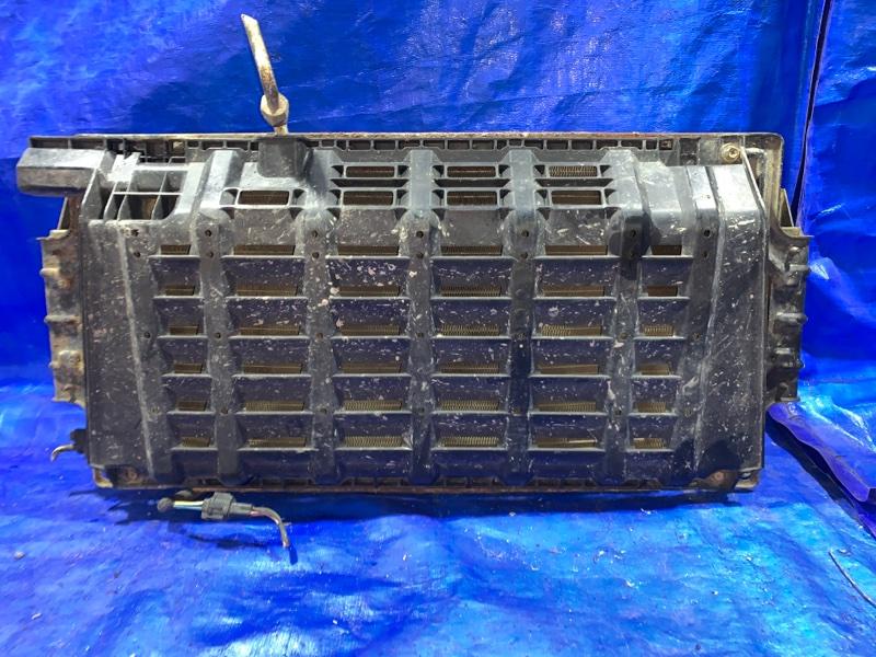 Радиатор кондиционера Nissan Caravan VWME25 ZD30DD передний (б/у)