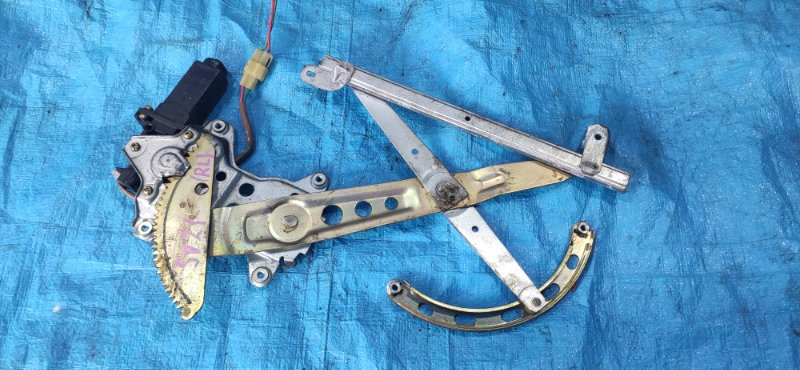 Стеклоподъемник Toyota Vista SV21 задний правый (б/у)