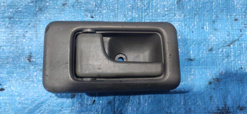 Ручка двери внутренняя Isuzu Bighorn UBS69 задняя левая (б/у)