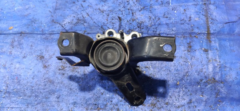 Подушка двигателя Toyota Prius ZVW30 правая (б/у)