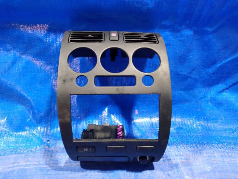 Консоль магнитофона Toyota Duet M100A (б/у)