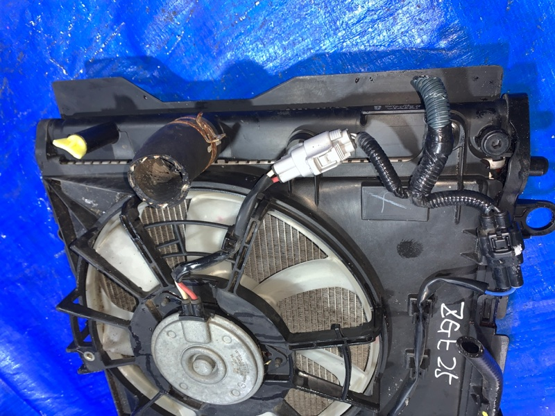 Радиатор основной Toyota Wish ZGE25 2ZR (б/у)
