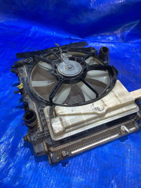 Радиатор основной Toyota Belta NCP96 2NZFE (б/у)