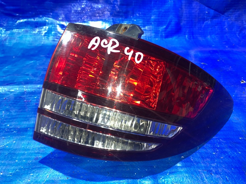 Стоп-сигнал Toyota Estima ACR40 задний правый (б/у)