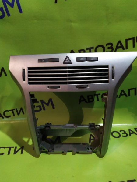 Накладка панели приборов Opel Astra L48 Z16XER 2012 (б/у)