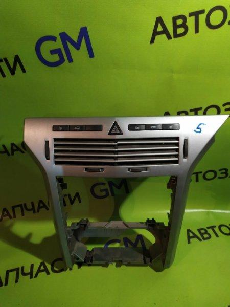 Накладка панели приборов Opel Astra L69 Z16XER 2009 (б/у)