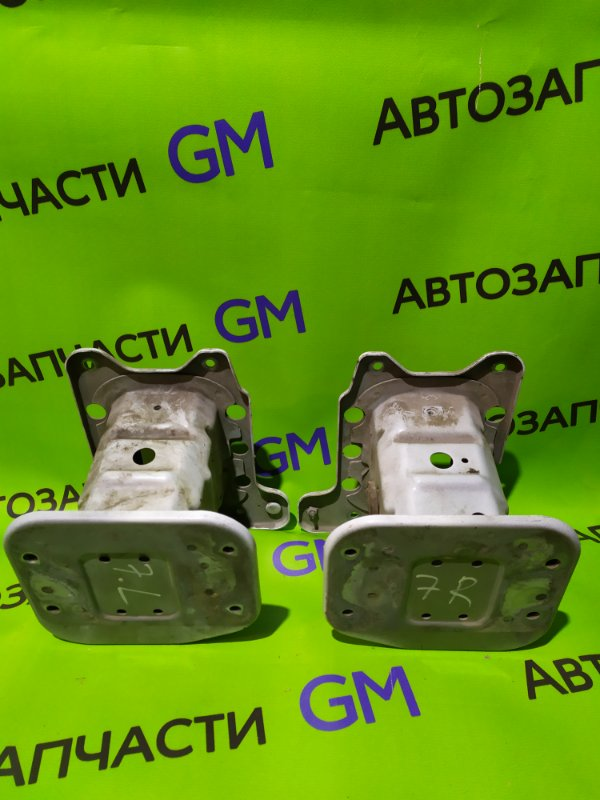 Кронштейн усилителя бампера Chevrolet Captiva C140 LE9 2014 передний (б/у)