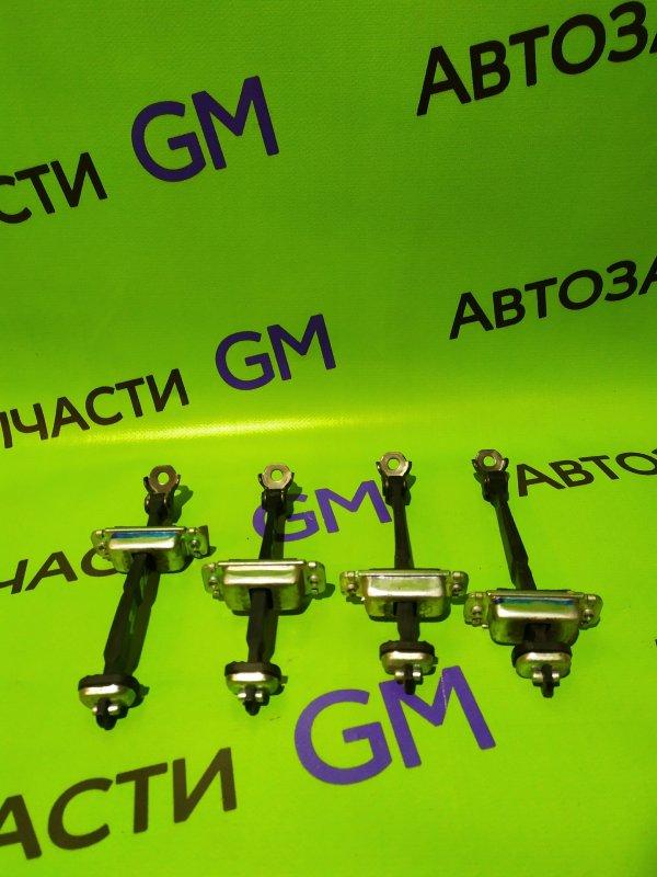 Ограничитель двери Chevrolet Captiva C140 LE9 2014 задний левый (б/у)