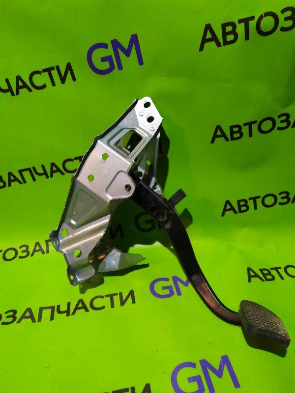 Педаль тормоза Opel Astra L69 Z16XER 2008 (б/у)