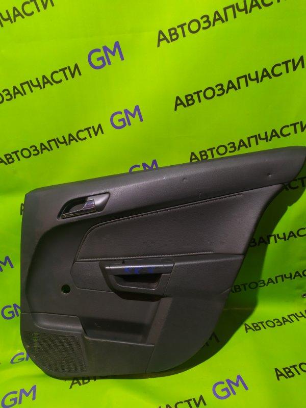 Обшивка двери Opel Astra L69 Z16XER 2008 задняя правая (б/у)