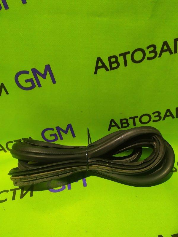 Уплотнительная резинка Ford Ranger ES WLAT 2010 (б/у)