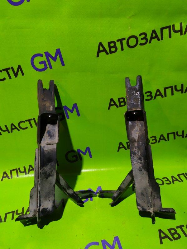 Кронштейн усилителя бампера Ford Ranger ES WLAT 2010 передний (б/у)