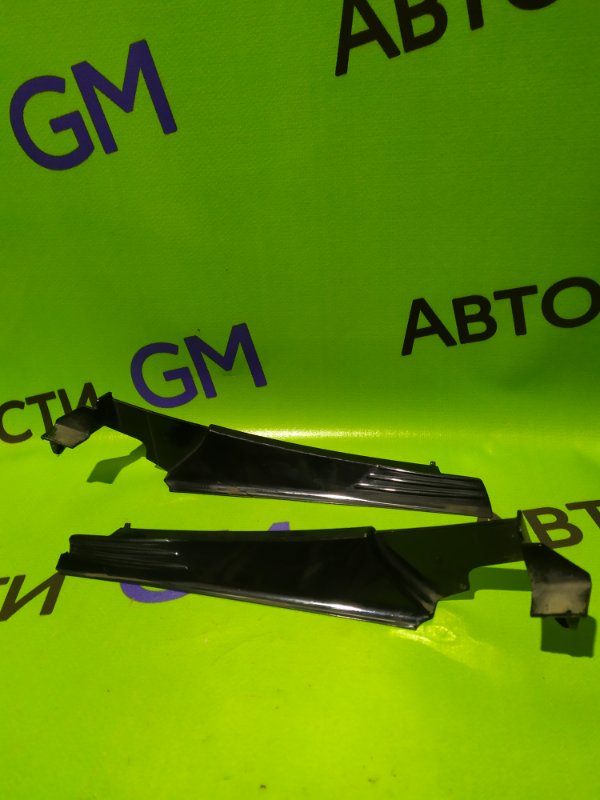 Решетка, жабо под дворники Opel Astra L69 Z16XER 2009 (б/у)