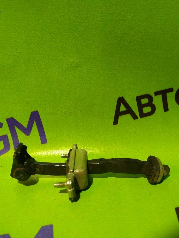 Ограничитель двери Chevrolet Aveo T300 F16D4 2013 задний левый (б/у)