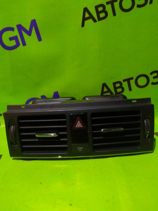 Дефлектор воздушный Mercedes-Benz C-Class W204 M272 KE 30 2008 (б/у)