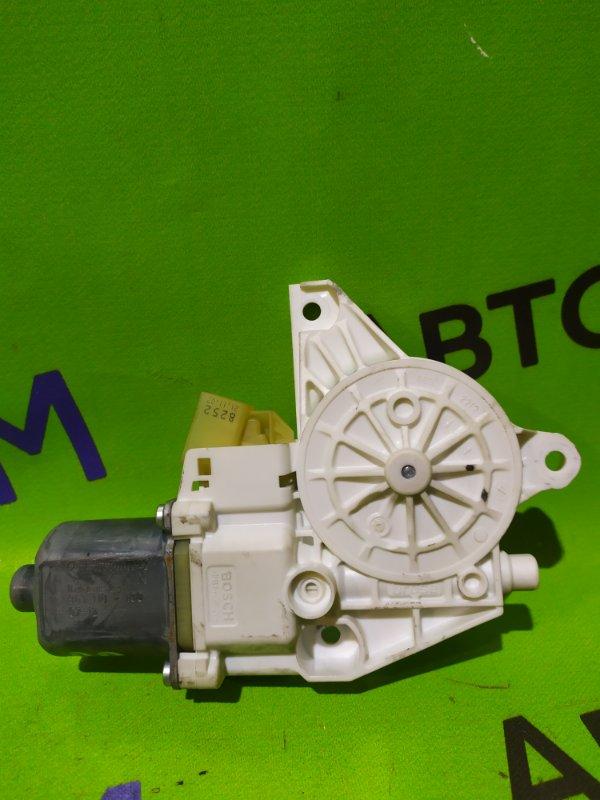 Мотор стеклоподъемника Mercedes-Benz C-Class W204 M272 KE 30 2008 задний правый (б/у)
