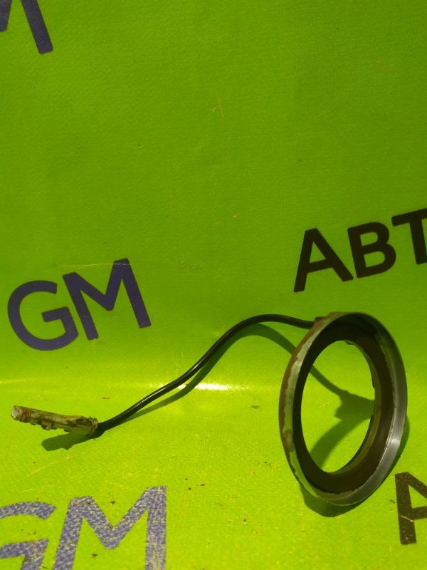 Датчик abs Opel Astra L69 Z18XER 2008 передний (б/у)