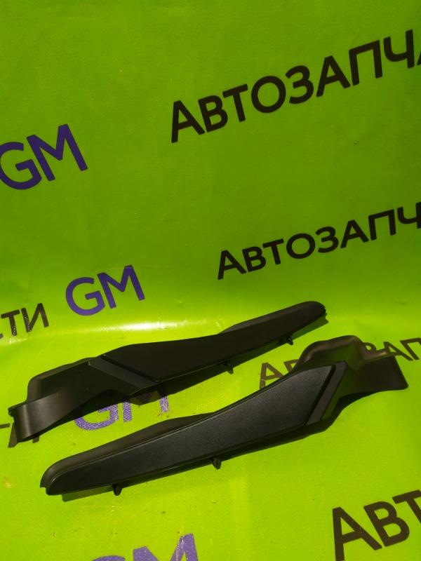 Заглушка жабо Renault Megane BZ0G M4R713 2011 (б/у)