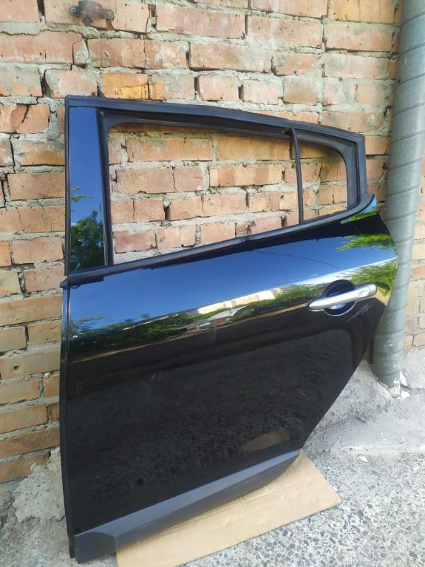 Дверь Renault Megane BZ0G M4R713 2011 задняя левая (б/у)