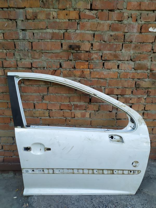 Дверь Peugeot 207 ET3J4 2010 передняя правая (б/у)