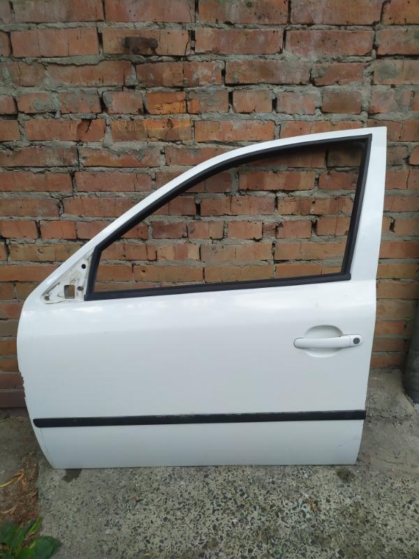 Дверь Skoda Octavia A4 AKL 2005 передняя левая (б/у)