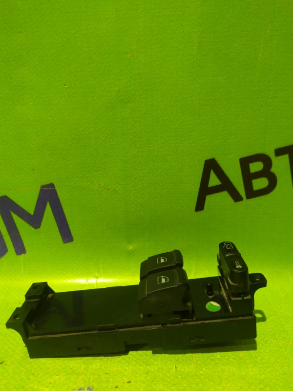 Блок управления стеклами Skoda Octavia A4 AKL 2005 (б/у)
