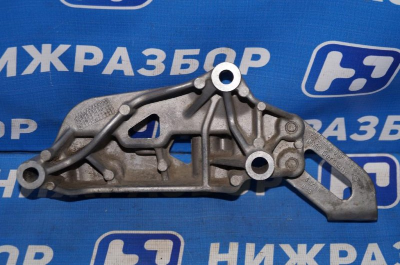 Кронштейн двигателя Skoda Yeti КРОССОВЕР 1.2T (CBZB) 2011 правый (б/у)